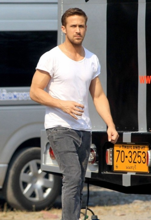 Ryan-Gosling-sighting-on-set-of-Only-God-Forgives-in-Thailand-10-512x749